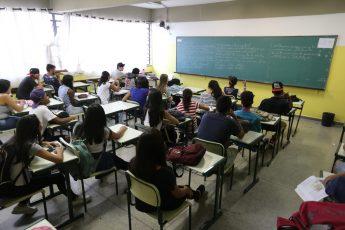 Aulas-Sala de Aula-Estudantes-Alunos em Aula