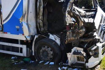 Acidente caminhões SP-75 Itu